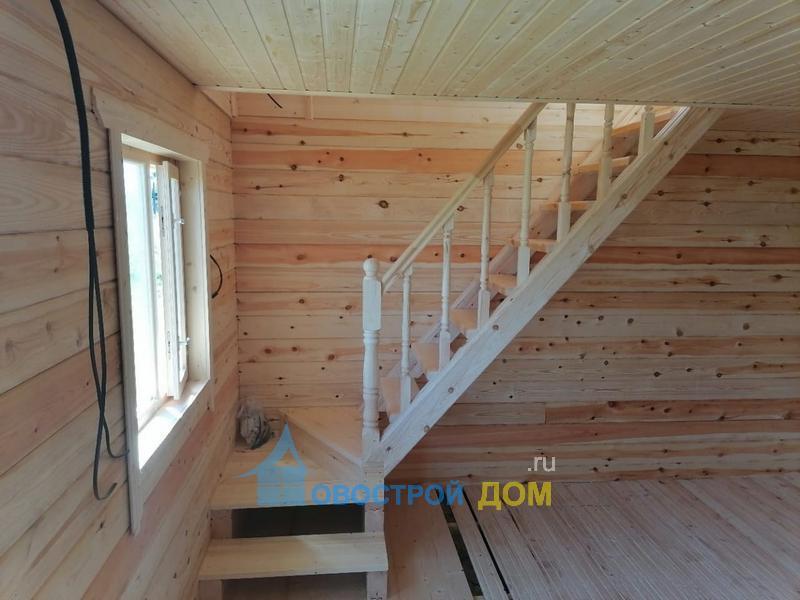баня 6х4 с мансардой лестница вид с первого этажа