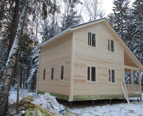 Дом в полтора этажа с террасой
