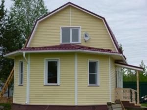 Дом из бруса с большим эркером